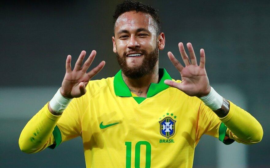 Neymaras pralenkė Ronaldo, Argentinai padėjo kuriozinis įvartis