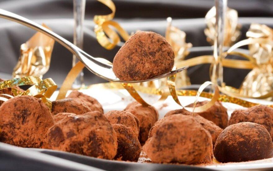 DOVANOMS: šokoladiniai triufeliai su aitriosiomis paprikomis
