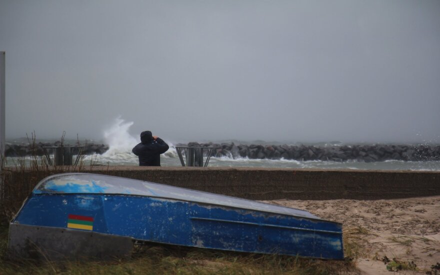 Savaitgalį laukia nemalonumai: vėjas ir lietus – dar ne blogiausia