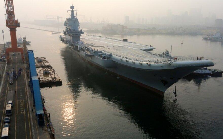 Pirmasis kinų gamybos lėktuvnešis