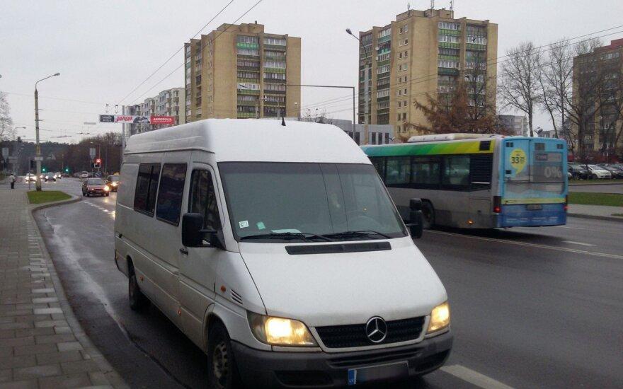 """Rusijos pilietis į Vilnių atvyko """"Kremliaus degtinės"""" pilnu mikroautobusu ir įkliuvo į pasalą"""