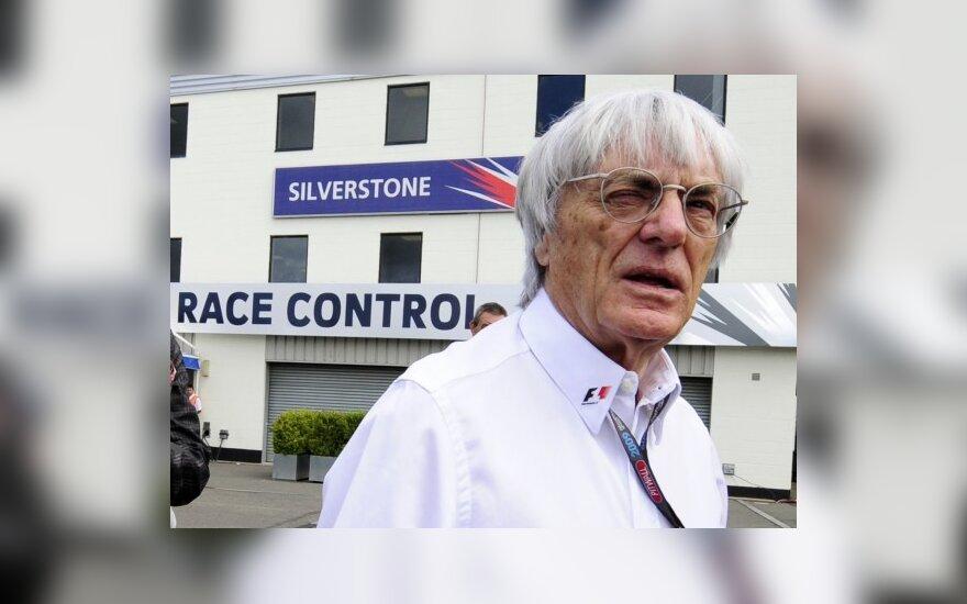 """B.Ecclestone'as: neleisiu """"Formulei-1"""" iširti"""