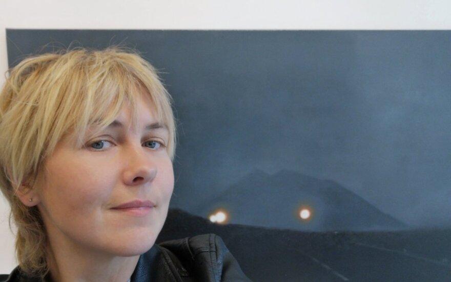 """Galerijoje """"The Room"""" eksponuojama Agnės Gintalaitės tapybos darbų paroda """"Čiurlionis. Drive"""""""