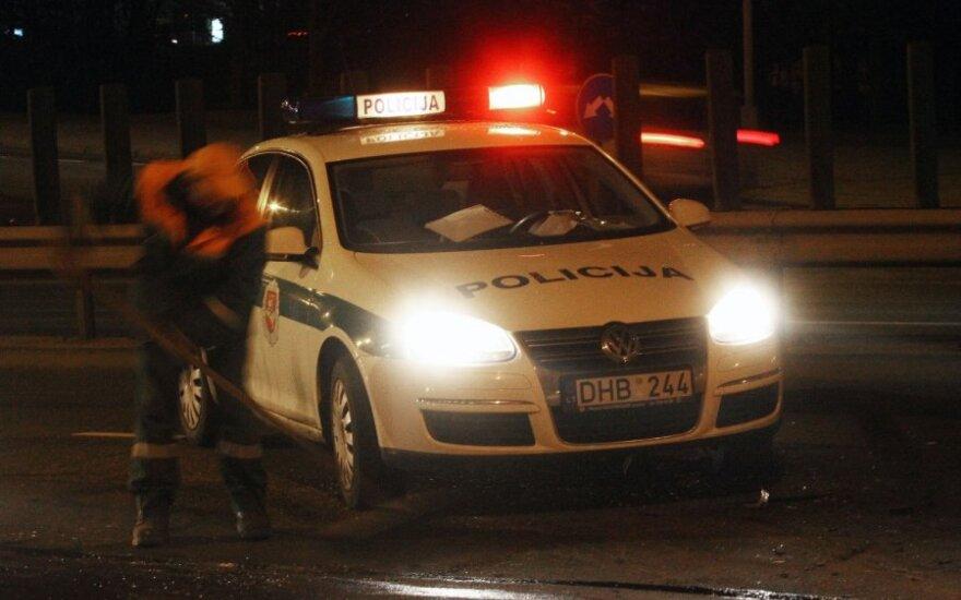 Kėdainiuose girtas BMW vairuotojas sprukdamas tyčia taranavo du policijos automobilius