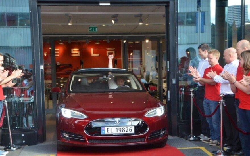 Tesla Model S pristatymas Norvegijoje