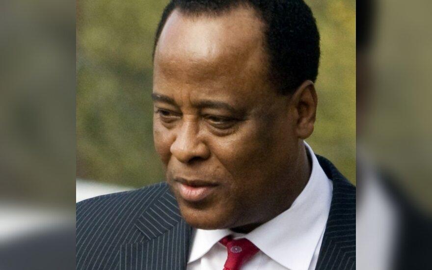 M.Jacksono gydytojas apkaltintas netyčine žmogžudyste