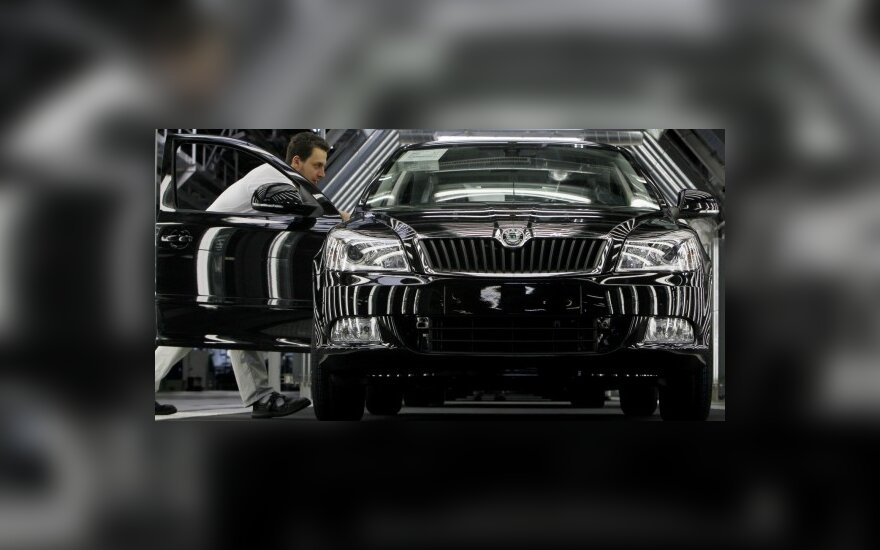 """Škoda"" kelia grėsmę ""Volkswagen"" markei"