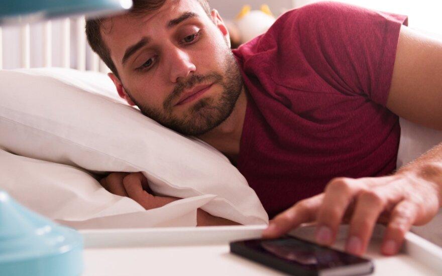 7 dalykai, kurių nederėtų daryti ryte vos nubudus