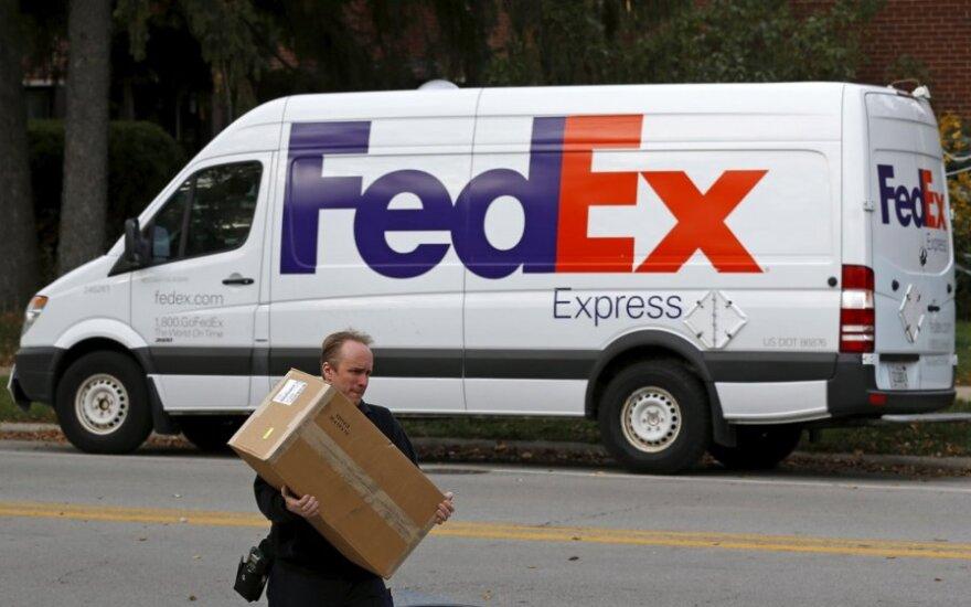 """Teksase """"FedEx"""" centre detonavo siuntoje paslėptas sprogmuo"""