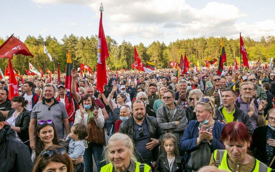 """Renginių organizatoriai reikalauja Vyriausybę pasiaiškinti: kuo """"Didysis šeimų gynimo maršas"""" skiriasi nuo kitų renginių?"""