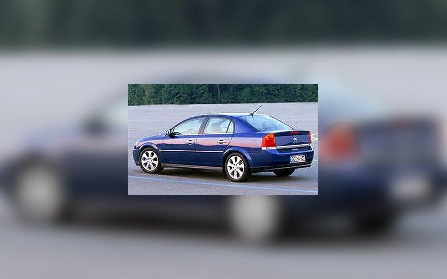 """Opel Vectra"" automobilis"