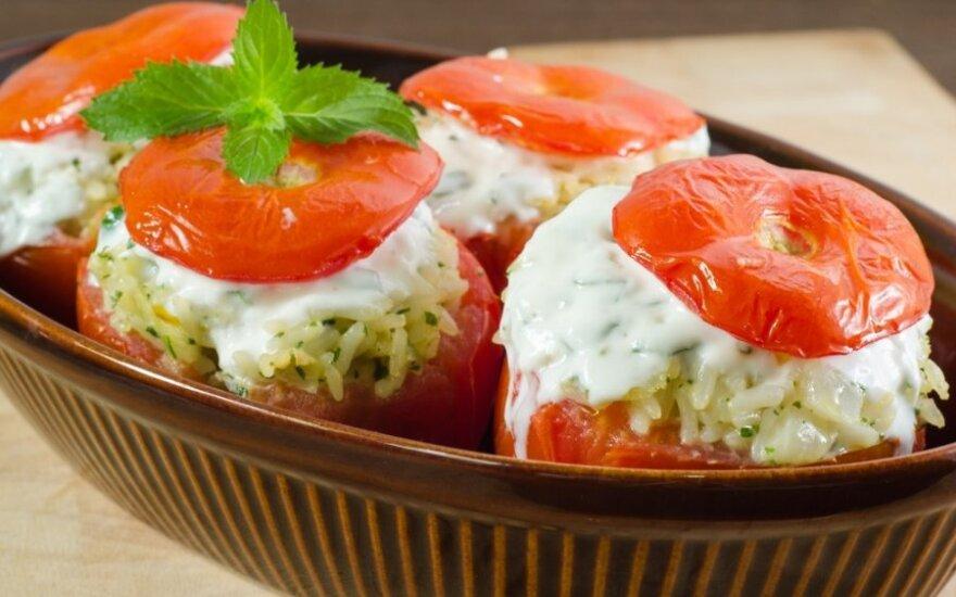 Ryžiais ir tunu įdaryti pomidorai