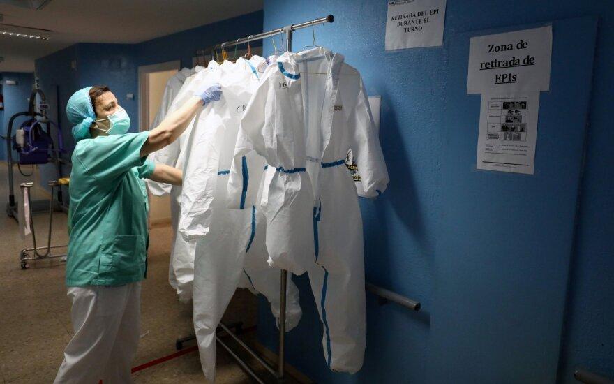 JAV mokslininkai: virusas mutavo – pokyčių eiga kelia nerimą