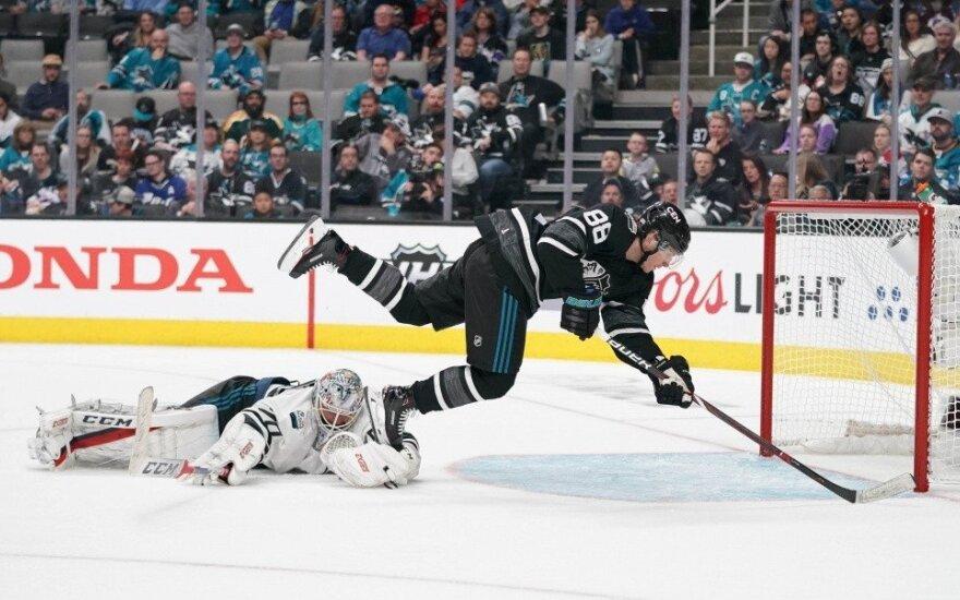 """NHL """"Visų žvaigždžių dienos"""" finale – net 15 įvarčių"""