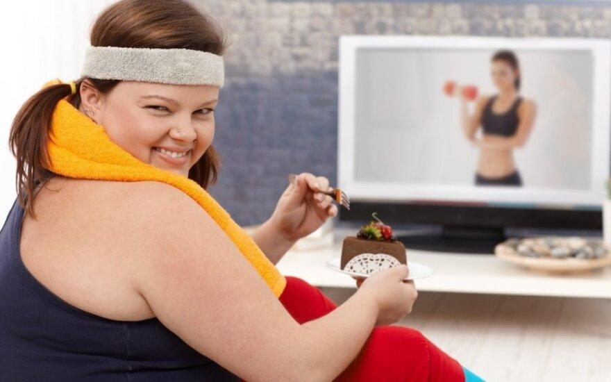 7 įpročiai, kurie trukdo numesti svorio: kaip su jais kovoti?