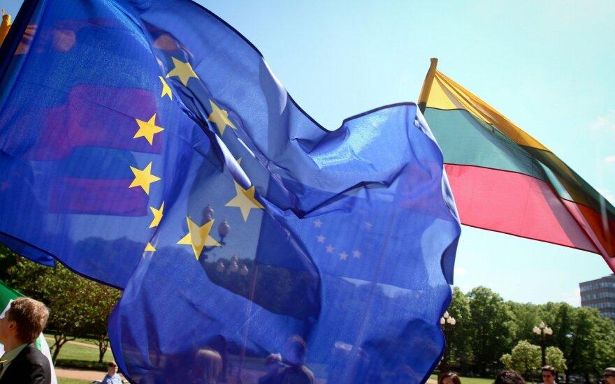 ES ir Lietuvos vėliavos