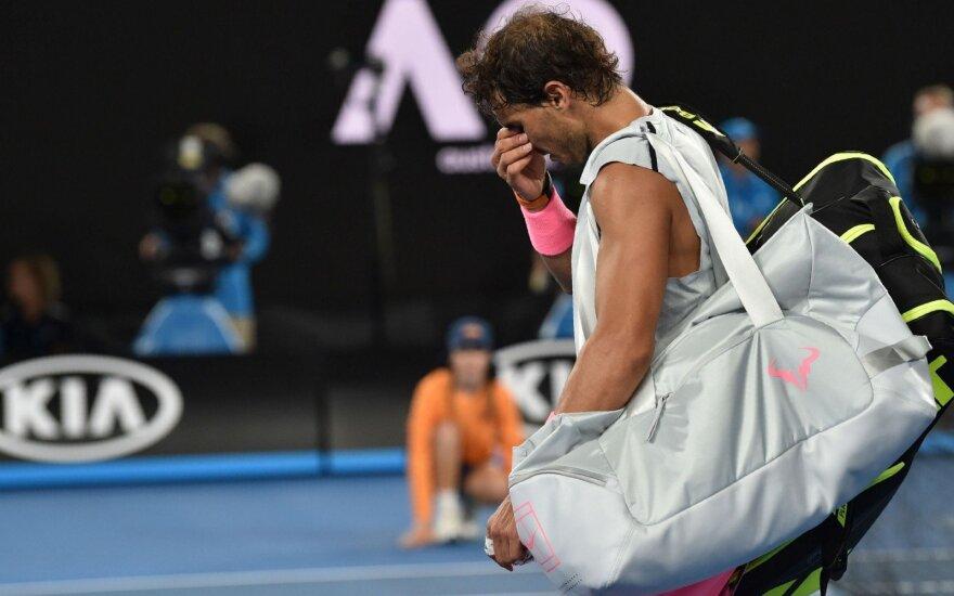 """Per setą nuo pusfinalio buvęs Nadalis patyrė traumą ir pasitraukė iš """"Australian Open"""""""