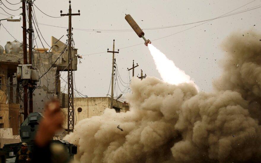 Irake raketos smogė kariniam kompleksui, kuriame bazuojasi JAV pajėgos