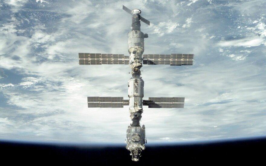 """Kosminis laivas """"Sojuz"""" sėkmingai susijungė su TKS"""