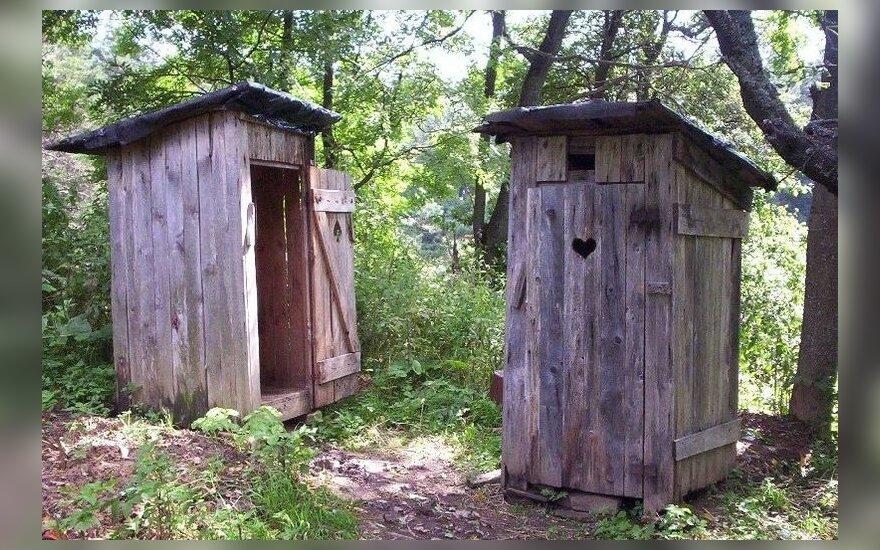 Lietuvos gyventojų dauguma besinaudojančių lauko tualetais nesmerkia