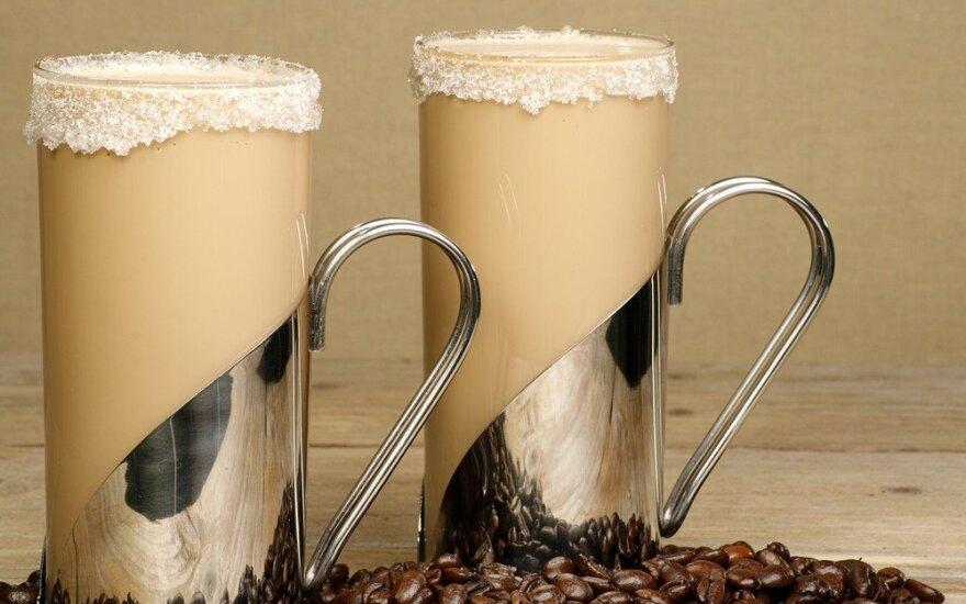 Karščiausioms dienoms - net 11 gardžių šaltos kavos receptų