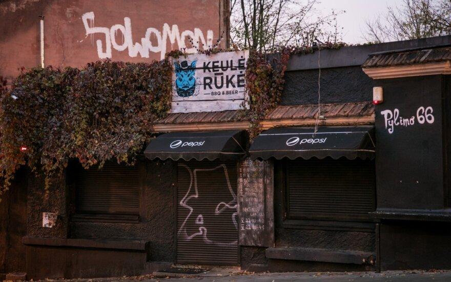 """""""Keulė Rūkė"""" kelis kartus sumažėjo darbuotojų, restoranas uždarytas"""