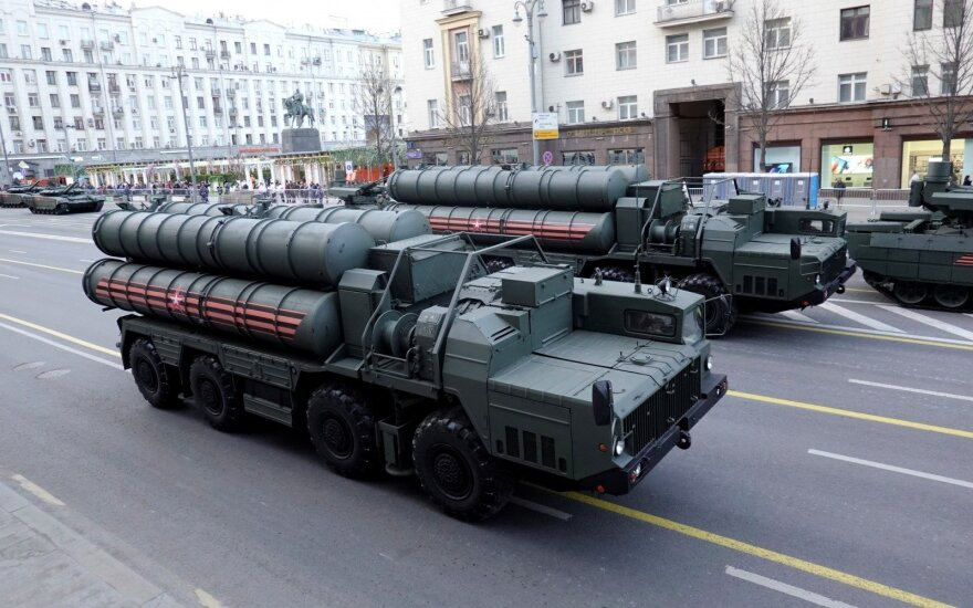 NATO griebėsi galutinio bandymo įtikinti Turkiją