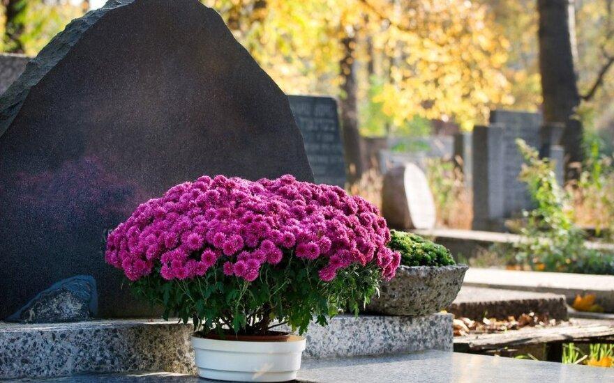 Tik nuvažiavusi į kapines moteris suprato savo keisto sapno reikšmę