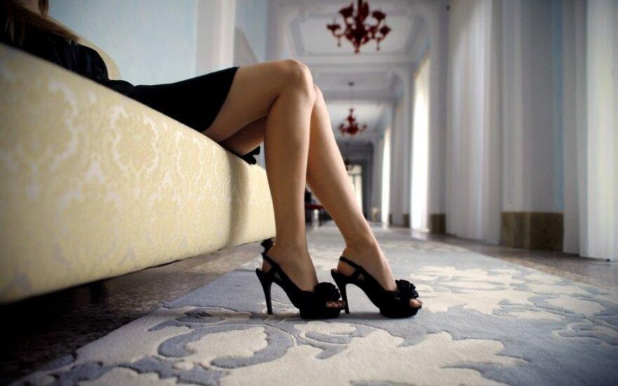 Poliglotė teisininkė dėl vienatvės nesisieloja – vyrus renkasi ji