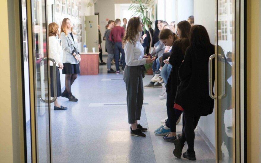 ŠMM naujovė: į profesines mokyklas priėmimas vyks ir žiemą