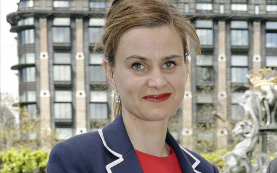 Dėl britų parlamentarės J.Cox nužudymo įtariamas asmuo stos prieš teismą