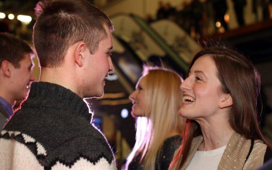 Kauno prekybos centre susižadėjo dešimt porų