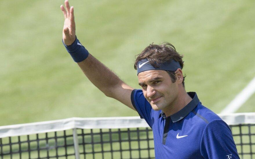 Štutgarte – R. Federerio ir D. Thiemo pergalės