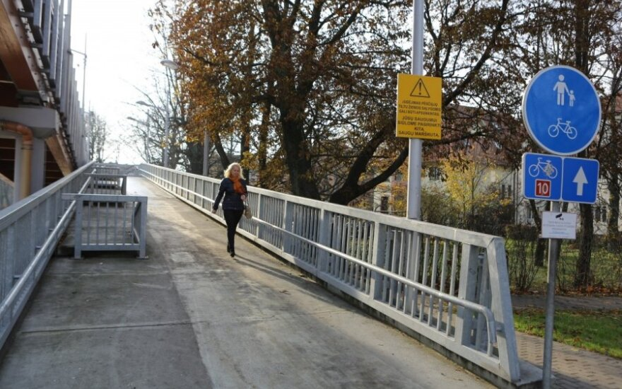 Nusprendė: negali uždrausti vaikščioti tiltu