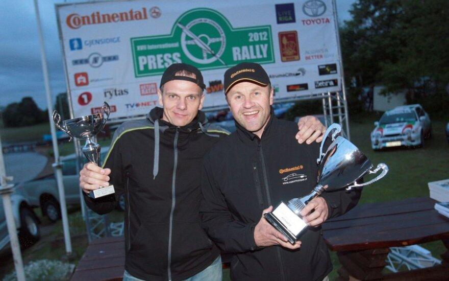 Renaldas Gabartas (dešinėje) su Vincu Gerdžiūnu