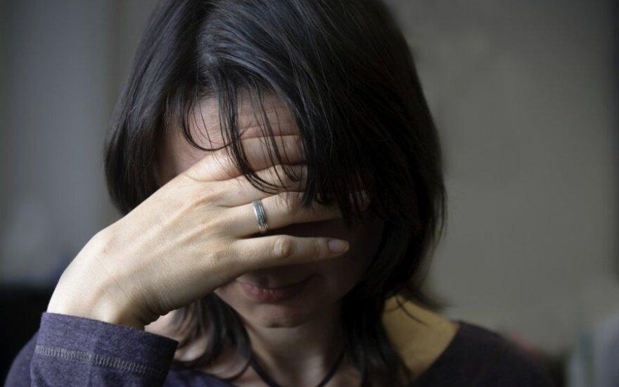 Motina savo namuose slėpėsi nuo girto sūnaus teroro