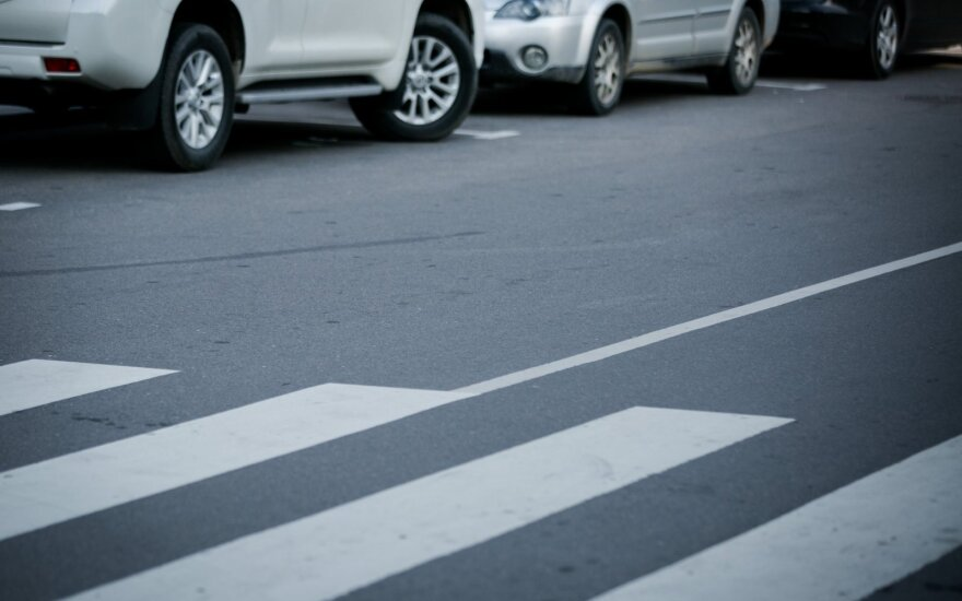 Klaipėdoje girto vairuotojo partrenktas vyras skubiai išvežtas į reanimaciją