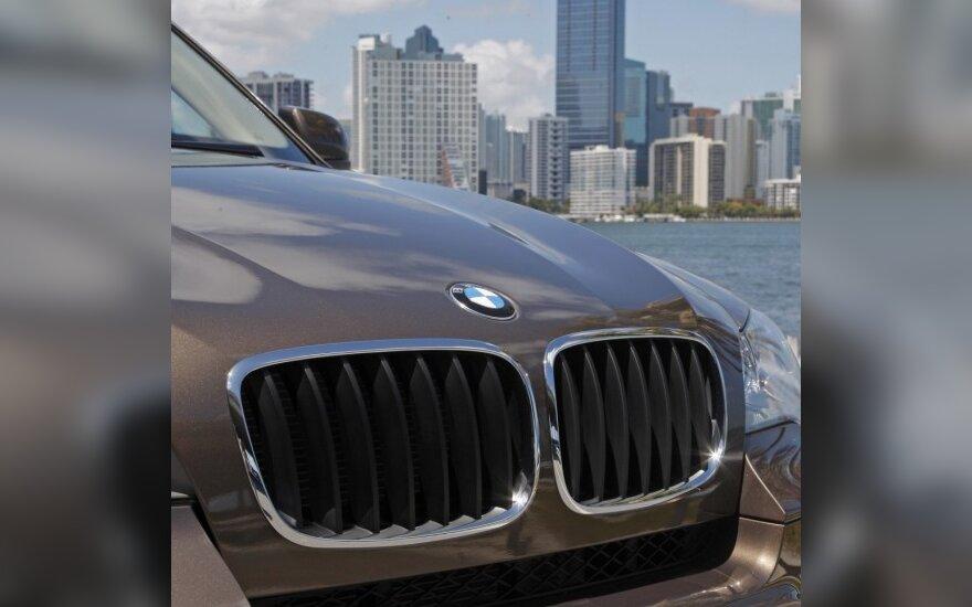 """""""BMW"""" svarsto galimybę sukurti X4 modelį"""