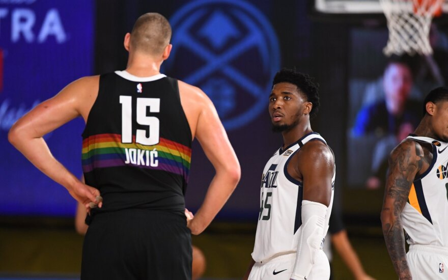 """NBA atkrintamųjų starto drama: """"Jazz"""" koncertmeisteris pagerino Malone'o rekordą, bet pakluso Jokičiaus batutai"""