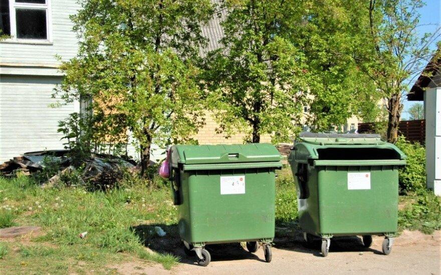 Košmaras Ukmergėje: kaimynų tualeto turinys atsiduria bendruose šiukšlių konteineriuose