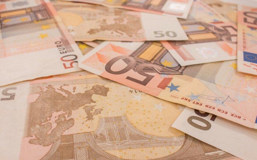 Tiesioginių užsienio investicijų srautas į Lietuvą pernai mažėjo