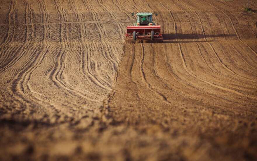 Spręs ar sušvelninti žemės įsigijimo sąlygas Lietuvoje