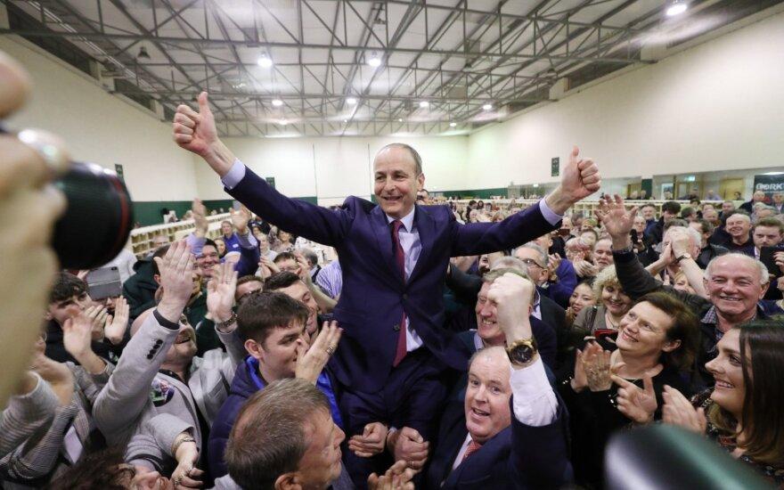 Ministrui pajutus COVID-19 simptomus, izoliavosi visa Airijos vyriausybė