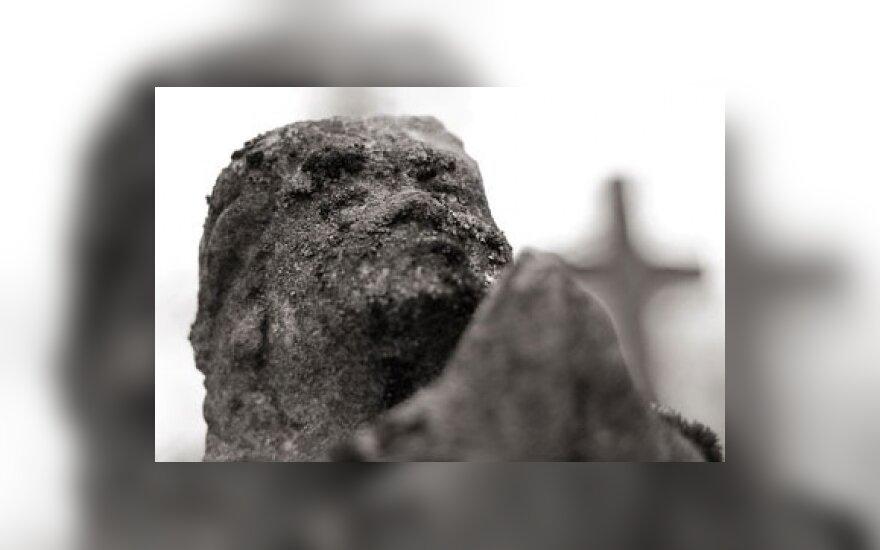 Panevėžio senosios kapinės turistų meka netaps