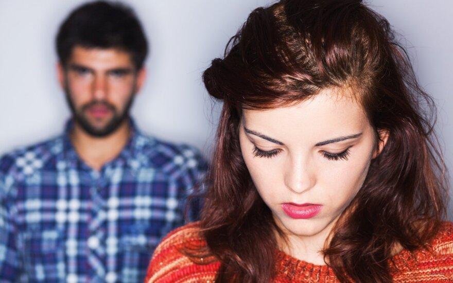 Dėl kokių priežasčių moterys skiriasi su vyrais