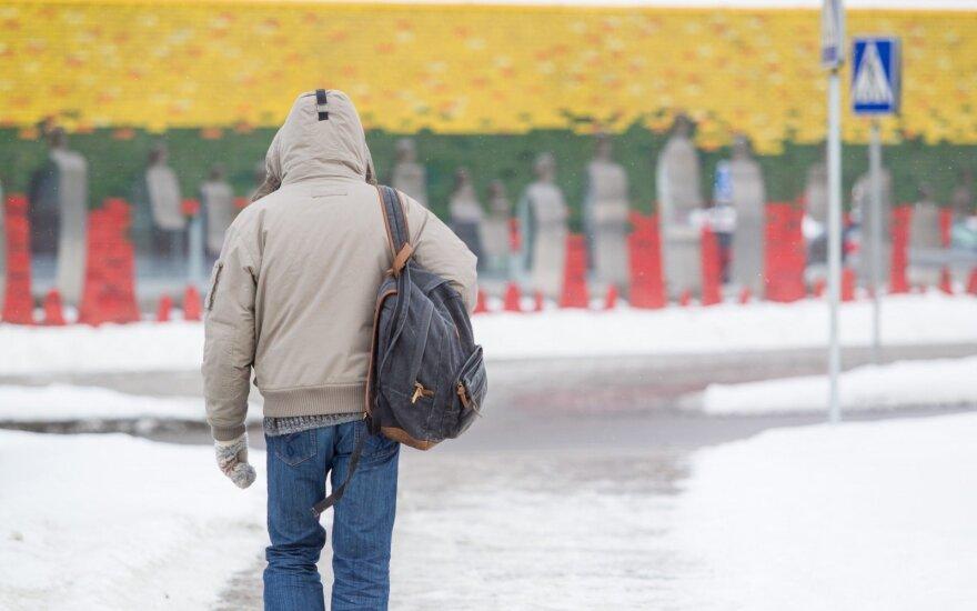 Kelininkai: šalies rajoniniai keliai provėžoti, padengti prispausto sniego sluoksniu ir slidūs