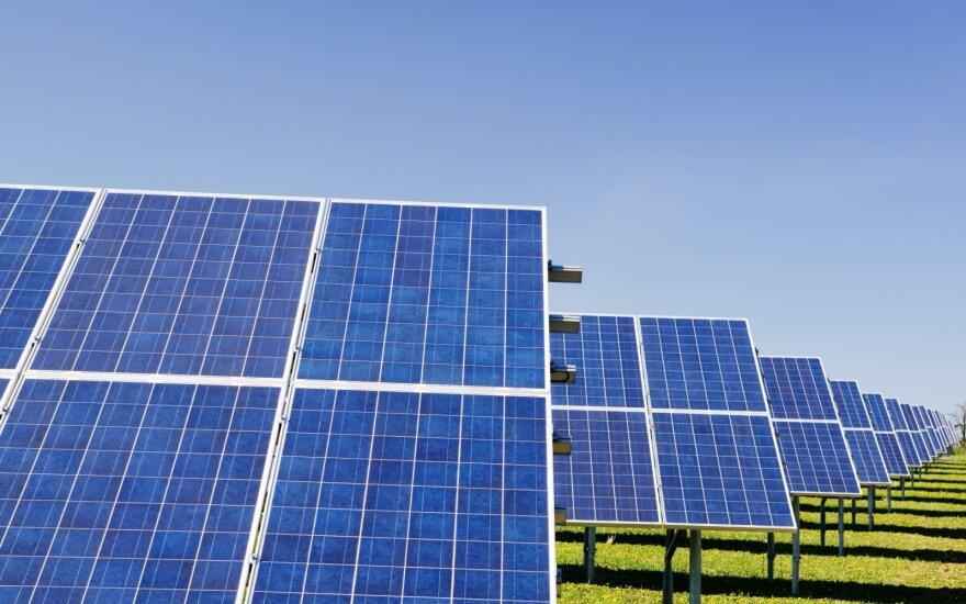 """""""Amber Grid"""" pradėjo žaliosios elektros energijos iš saulės jėgainių gamybą"""