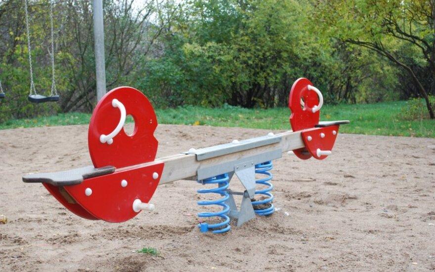 Klaipėdoje remontuos senas vaikų žaidimo aikšteles
