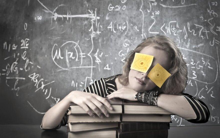 Lietuva pagal aukštąjį išsilavinimą turinčių trisdešimtmečių skaičių - ketvirta ES