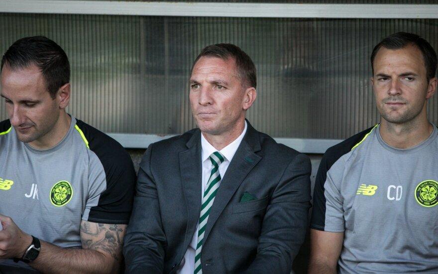 Brendanas Rodgersas (viduryje)